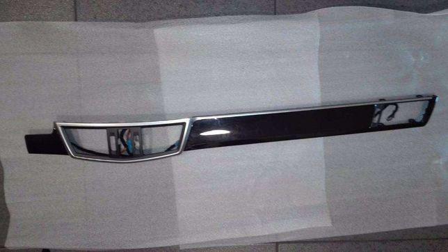Frizo Direito Tablier - Mercedes-Benz