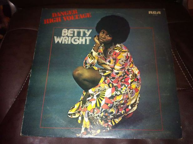 Betty Wright - Danger High Voltage - LP RCA Records SF 8408