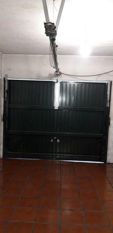 Mecanismo motorizado para portão basculante