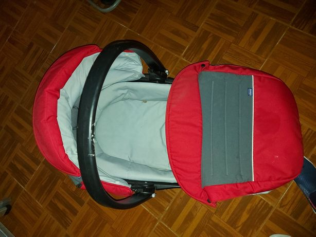 Alcofa  de bebé para viajar no carro.