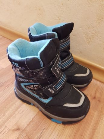 Продам дитячі зимові чобітки на хлопчика