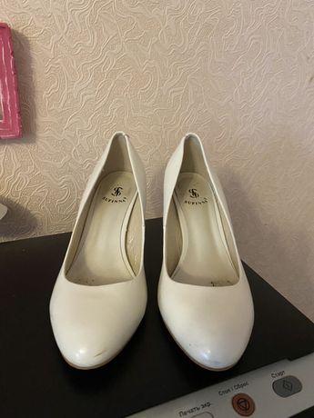 Продам идельные  туфли