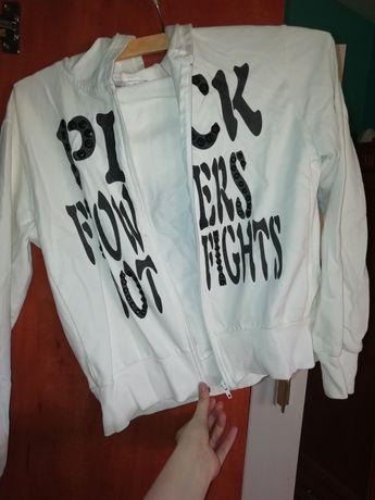 Bluza biala z napisami S