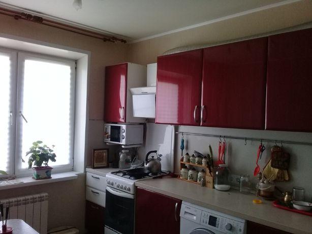 Продається 3-кімнатна квартира вул. Ч.Калини