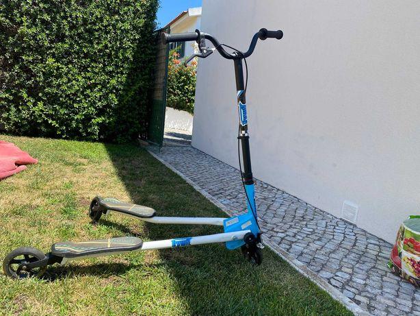 Triciclo/trotinete de Criança