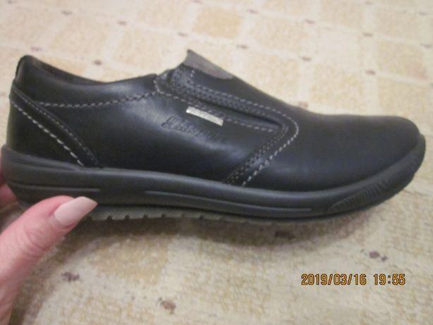 кроссовки туфли фирменные 36 размер