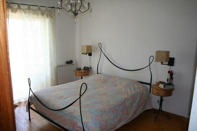 cama de ferro contemporânea