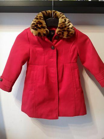 Jessica Simpson płaszczyk czerwony płaszcz