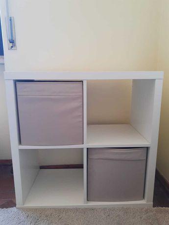 Cómoda branca da IKEA