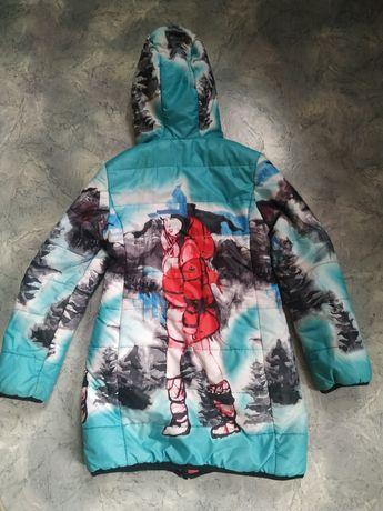 Деми-пальто двустороннее на девочку, р.140, большемерит