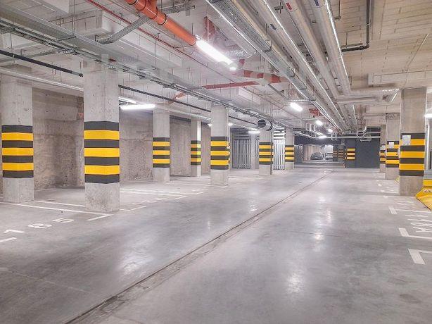 Miejsce postojowe w podziemnej hali, Poznań ul. Katowicka/ Lwowska 4