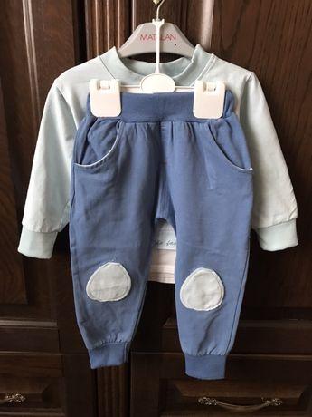 Нарядный костюм на мальчика 2-3 года