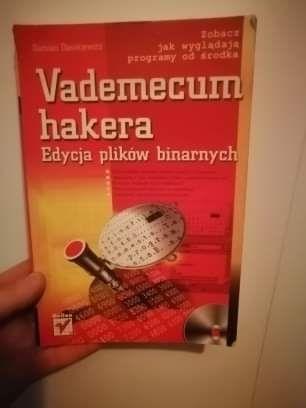 Vademecum hakera - Damian Daszkiewicz