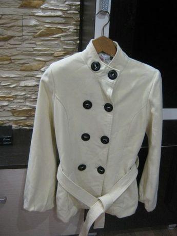 Пальто женское демисезонное 42- 44р