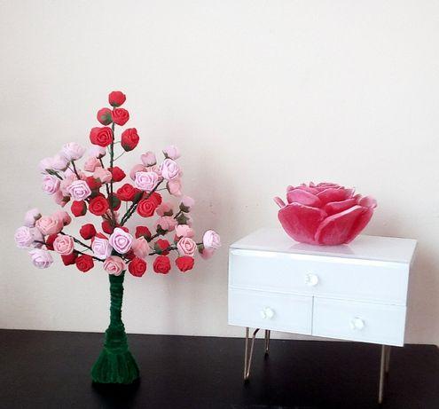 Dekoracyjne drzewko z różyczkami Lampka led PREZENT