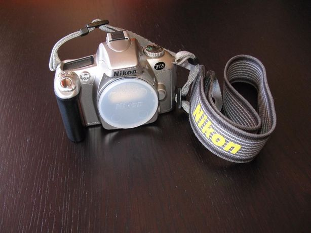 Máquina fotográfica Nikon F55 Reflex + Objectiva 28-80mm