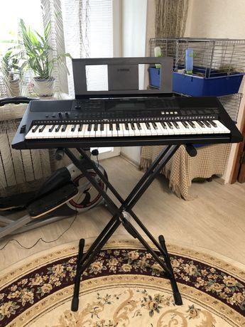 Продам синтезатор фирмы yamaha e453