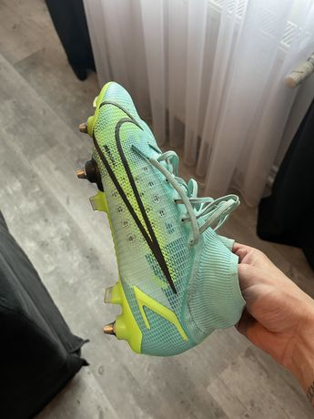 Nike Mercurial superfly 8 sg 42,5
