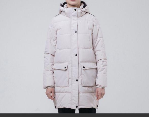 Продам зимнее пальто Peak