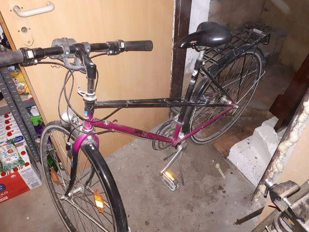 Rower do pracy na wąskich oponach