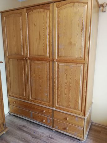 Szafa, duża, ubraniowa, drewniana Fordon