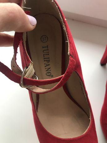 Туфлі червоні