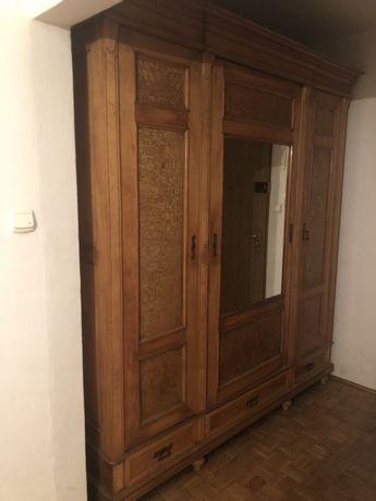 Przedwojenna szafa z lustrem