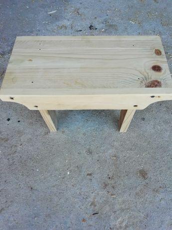 Bancos pequenos madeira ( palete)