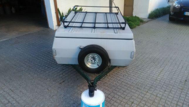 Reboque atrelado de carga para carro