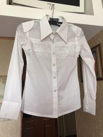 Школьная,белая блузка