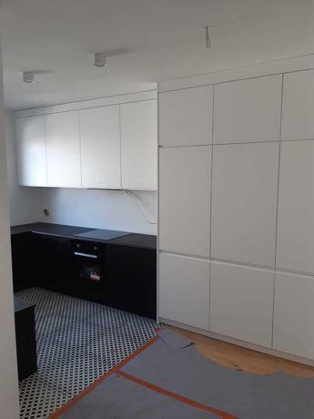 Meble na wymiar: kuchnie, szafy wnękowe, garderoby. Doradztwo.