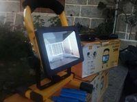 Projector LED 30W com Bateria - Autonomia de 3horas