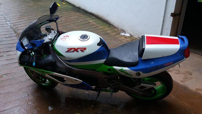 Mota Kawasaki ZXR 750