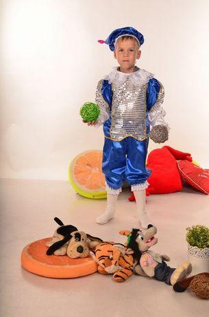Новый костюмчик новогодний на рост 104-122 см