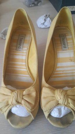 Продам туфли женские летние р.39