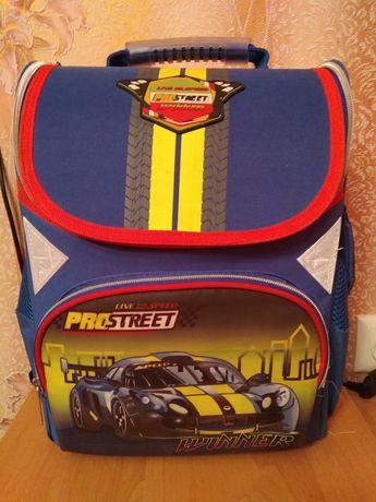 Рюкзак школьный мальчик