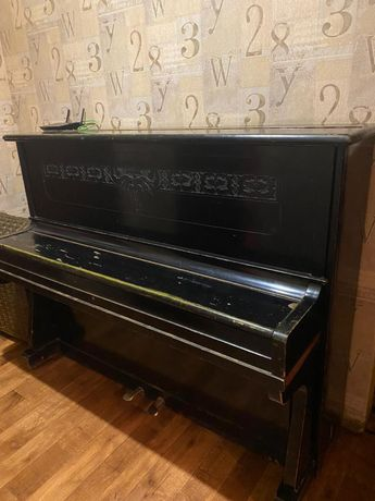 """Пианино """"УКРАИНА"""" чёрного цвета"""