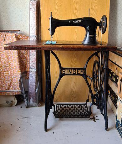 Механическая швейная машинка Singer 16K33 (Simanco). Антиквариат