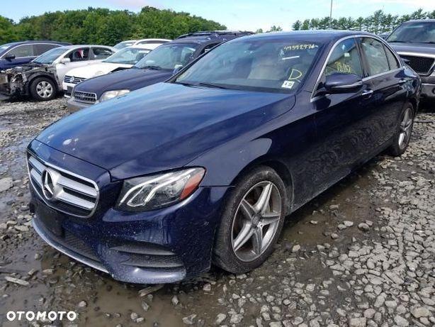 Mercedes-Benz Klasa E 4 matic jasny środek małe uszkodzenia niska akcyza
