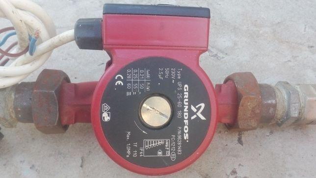 Насос для системы отопления (с манометром и клапанами)