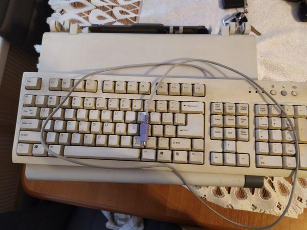 Sprzedam klawiaturę komputerową