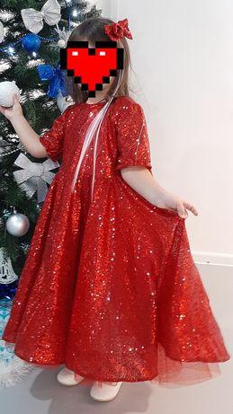 Продам платье детское пышное с ткани с паетками на рост 104 см