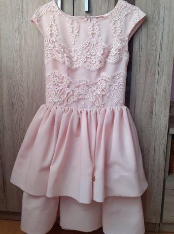 Jasno różowa sukienka