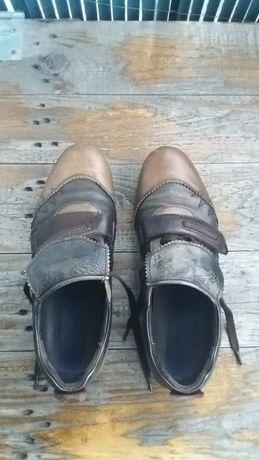 Sapatos homem, pele, castanhos, nº 42