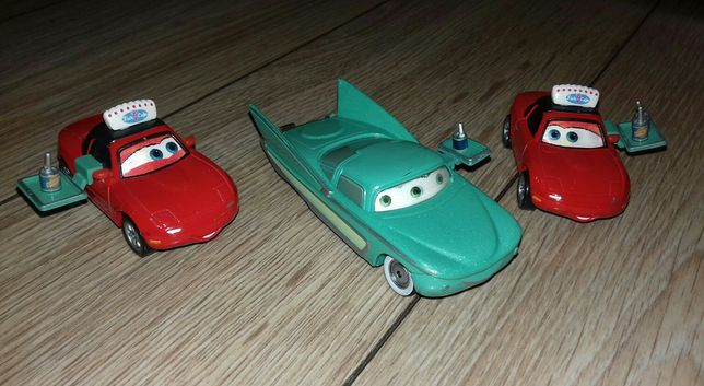 Auta Cars Lola + Kelnerki Mia i Tia Oczy 3D 1:55 Mattel UNIKAT!