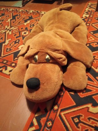 Большая игрушка собака