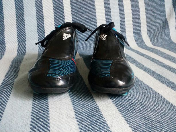 Buty sportowe czarne, korki, do piłki nożnej ADIDAS, rozmiar 33 (21cm)