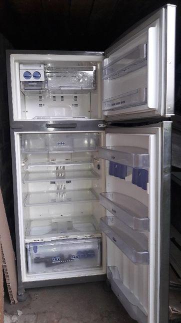 Холодильник Whirlpool большой бу в хорошем состоянии