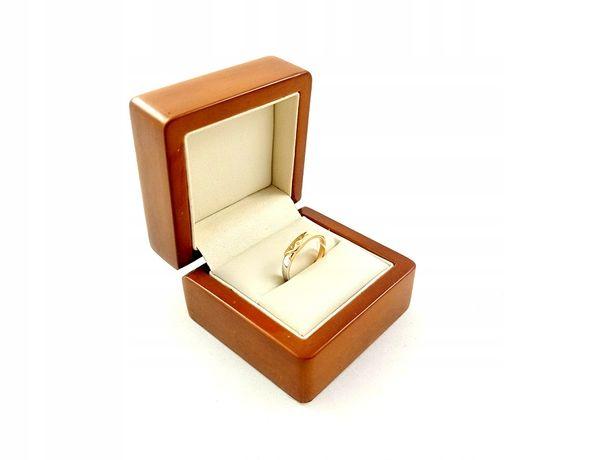 Złoty Pierścionek z białym złotem i cyrkoniami Pr585 Waga 2,19g