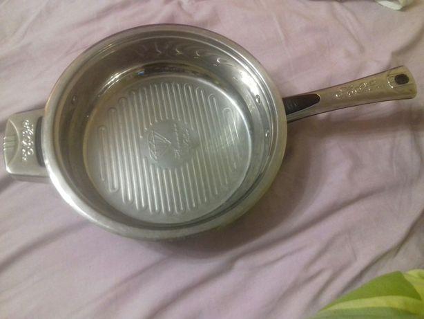 Продам сковороду 28 см
